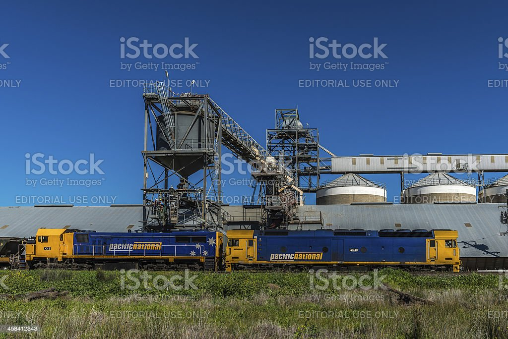 Grain loading of Pacific National container train, Narromine Shire, Australia​​​ foto