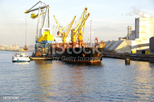 istock Grain ship 157374267