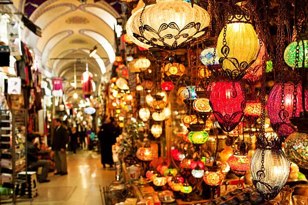 grand bazaar in istanbul - bazaar stockfoto's en -beelden