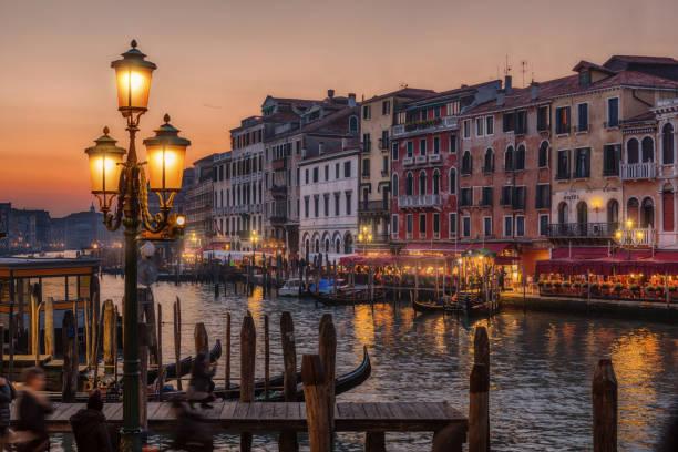 canal grande, venedig, italien  - italien stock-fotos und bilder