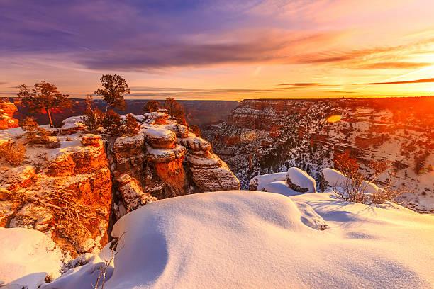 grand schlucht im winter - grand canyon nationalpark stock-fotos und bilder