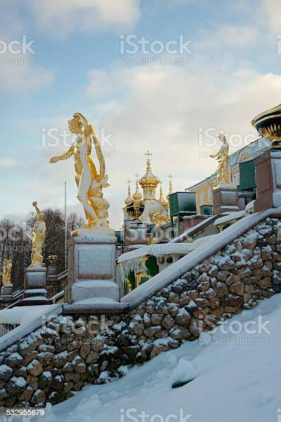 Grand Cascade In Peterhof Russia Stockfoto en meer beelden van 2015