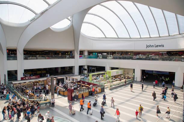 grand central shopping centre - birmingham - john lewis стоковые фото и изображения