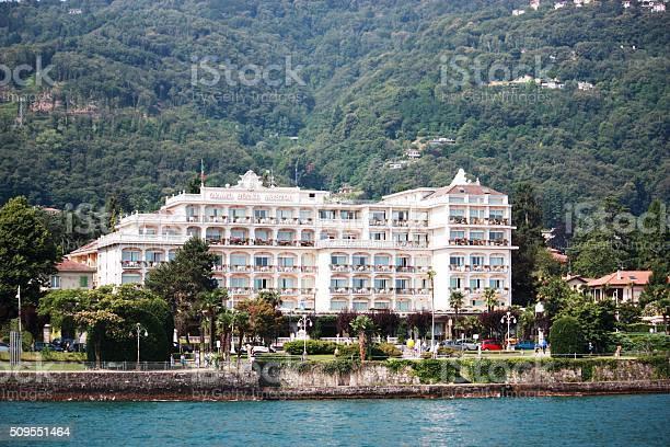 Photo Libre De Droit De Grand Hotel Bristol De Stresa Le Lac Majeur Italie Banque D Images Et Plus D Images Libres De Droit De Arbre Istock