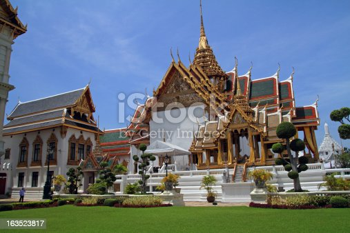 Grand Palace, the city's most famous landmark was built in 1782. It was the home of the Thai King, the Royal court and the administrative seat of government.