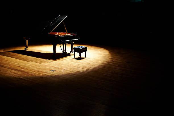 piano à queue  - piano photos et images de collection