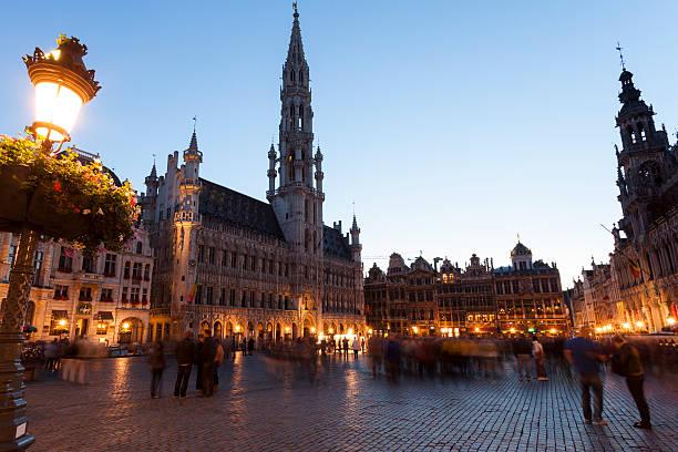 Grand Place in der Dämmerung in Brüssel, Belgien – Foto