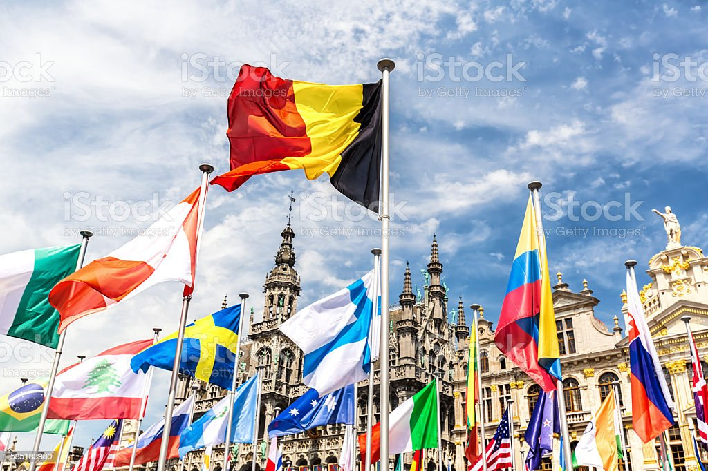Grand Place in Brussels on the National Day - foto de acervo