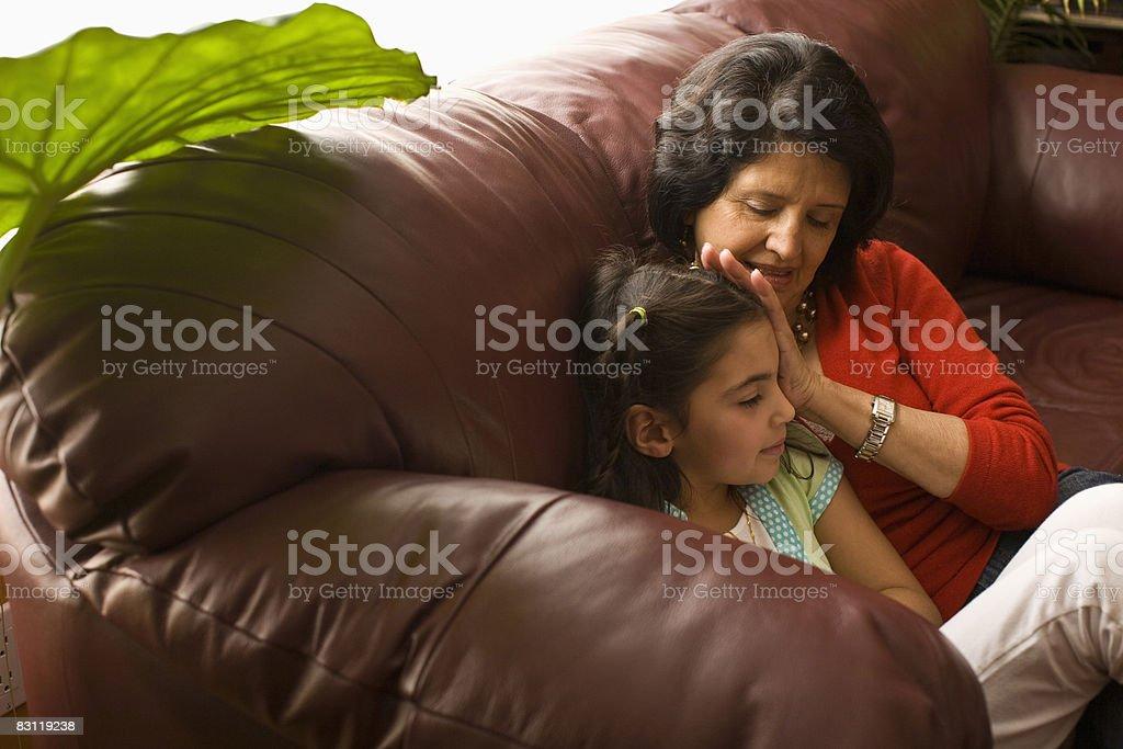 Babcia z grand córka i zbiór zdjęć royalty-free