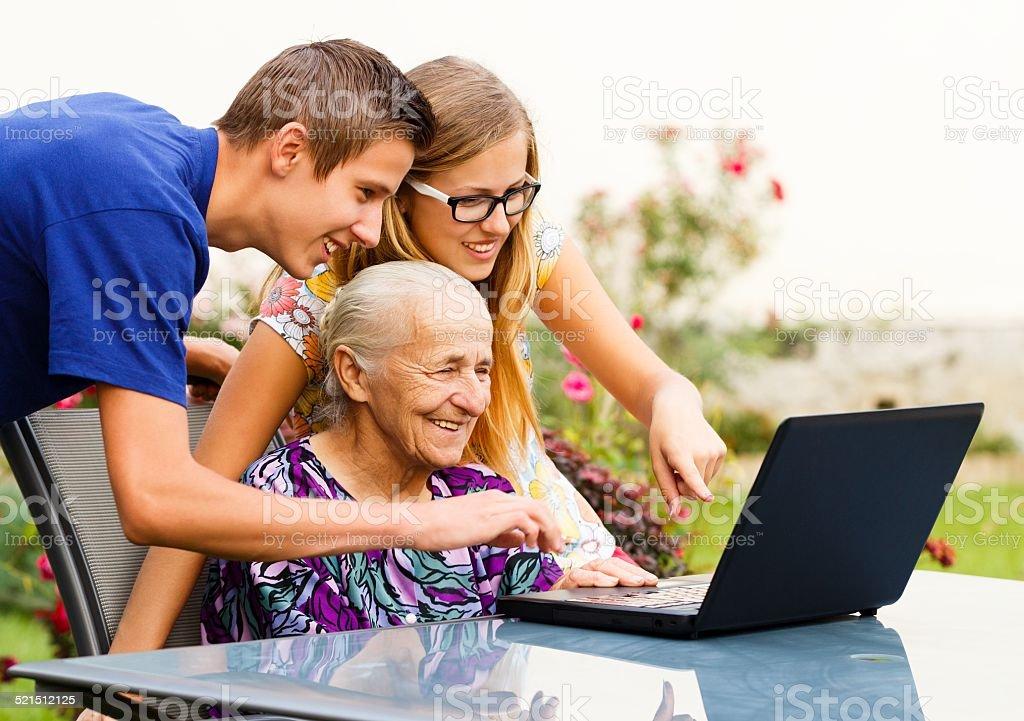 Großmutter Erfolg wird – Foto