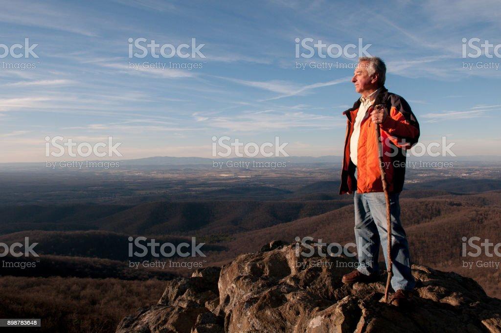 Opa Knick des Hügels – Foto