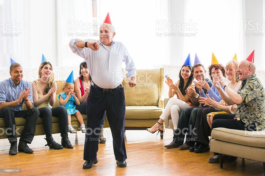 Grandpa anniversaire de danse - Photo