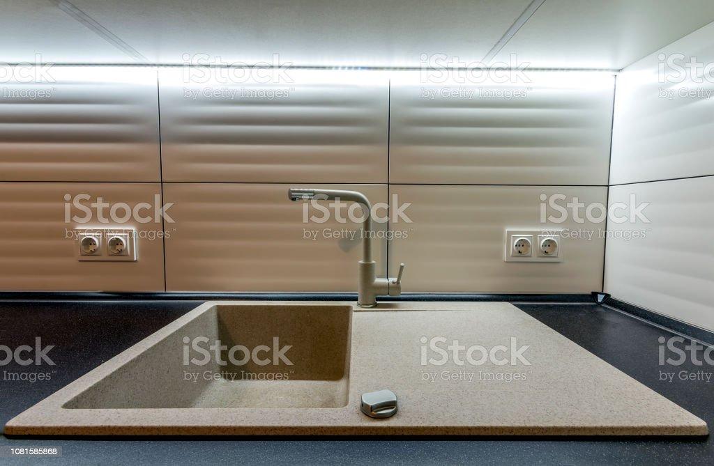 Granit Waschbecken Und Wasser Wasserhahn In Neue Moderne ...