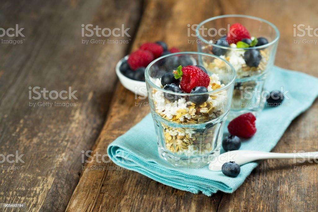 Müsli und Quark dessert - Lizenzfrei Abnehmen Stock-Foto