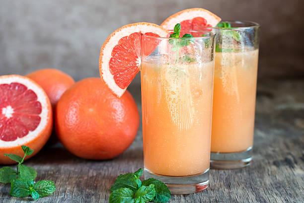 grapefruit and tequila paloma cocktail - cactus lime bildbanksfoton och bilder