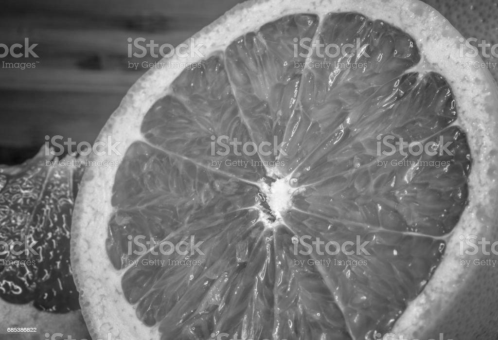 Grapefruit citrus fruit close up, black and white color foto de stock royalty-free