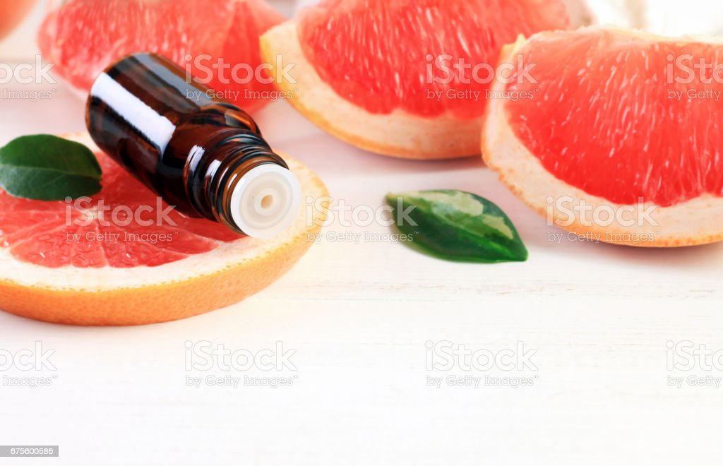 Grapefruit essential aroma oil photo libre de droits