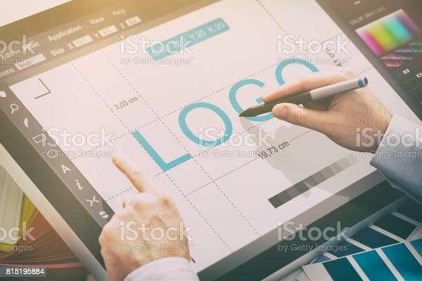 Graphic designer at work color samples picture id815195884?b=1&k=6&m=815195884&s=612x612&h=ar3boqsxhjeqycfatwgtibpyltp7kgmcghocrtgompo=