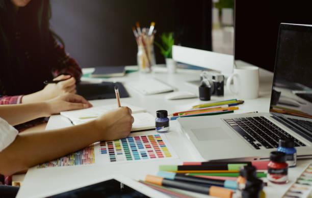 grafik designer kreativität editor ideen designer-konzept - logodesign stock-fotos und bilder