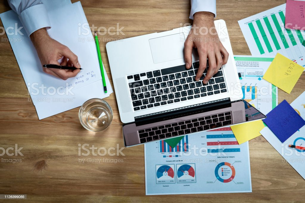 Graphic of business financial data analysis chart стоковое фото