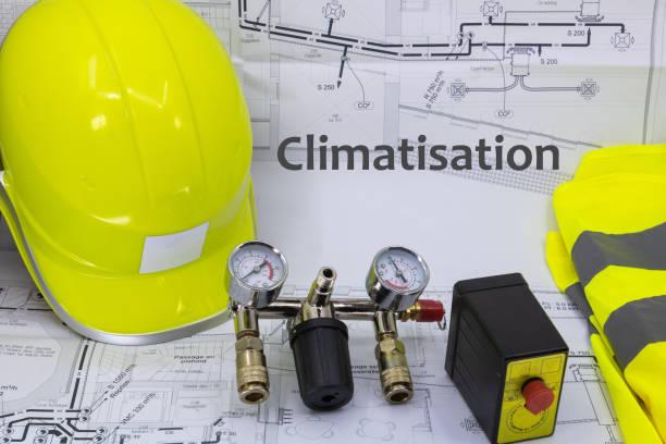 grafik ressource klimaanlage mit hausplan sicherheitsausrüstung und sanitärausrüstung - hausgemachte klimaanlage stock-fotos und bilder