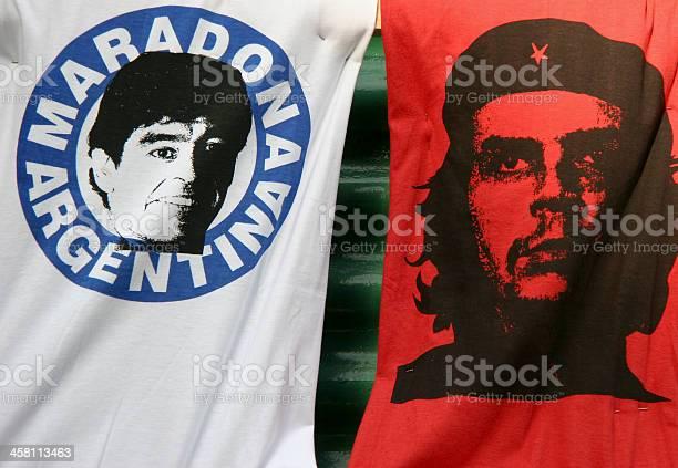 Рисунок Футболки С Марадона И Che Guevara — стоковые фотографии и другие картинки Che Guevara