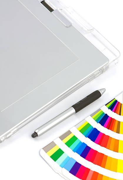 tablette graphique, de plume et de couleur graphique - graphisme photos et images de collection