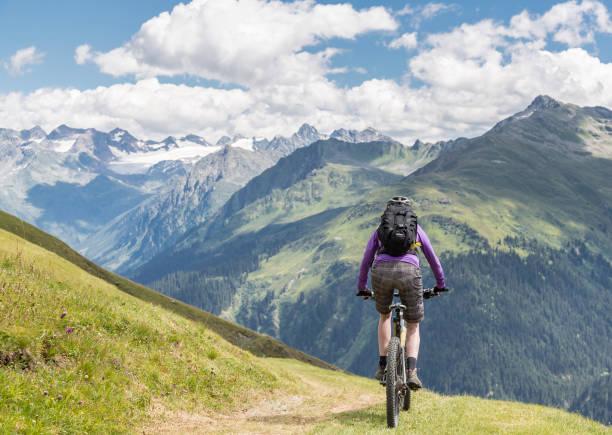 Graubünden Pasture Mountainbiking, Switzerland. – Foto