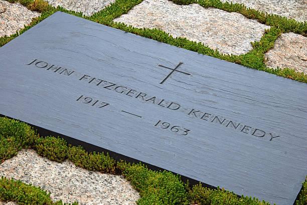 John F. Kennedy Túmulo No Cemitério Nacional De Arlington Banco de Imagens  e Fotos de Stock - iStock