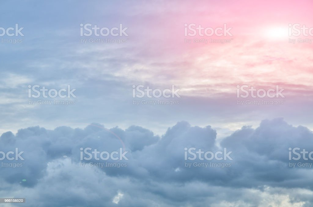 Gray clound and sun light - Стоковые фото Без людей роялти-фри