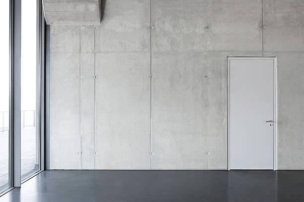 회색 콘크리트 벽, 문. - 콘크리트 벽 뉴스 사진 이미지