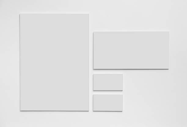 серый простой канцтовары моделировать шаблон на белом фоне - письмо документ стоковые фото и изображения