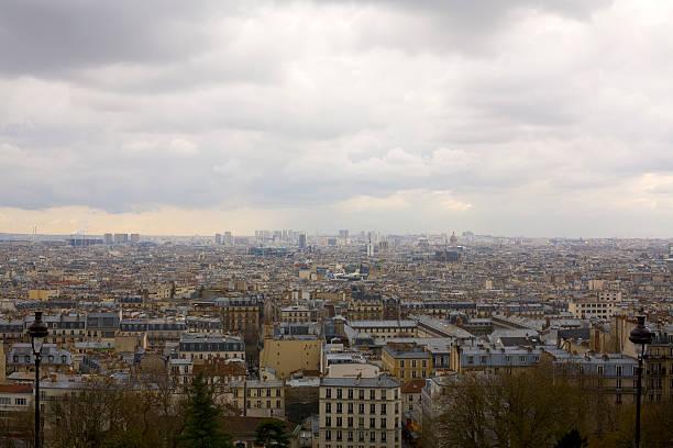 gray sky in paris - montmatre utsikt bildbanksfoton och bilder