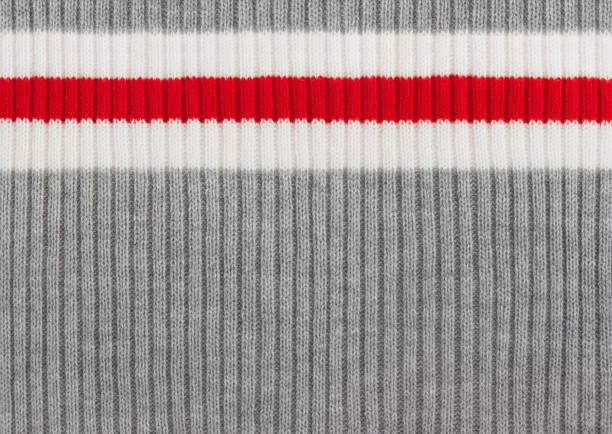 灰色、白色和紅色條紋針織羊毛背景 - 針織品 個照片及圖片檔