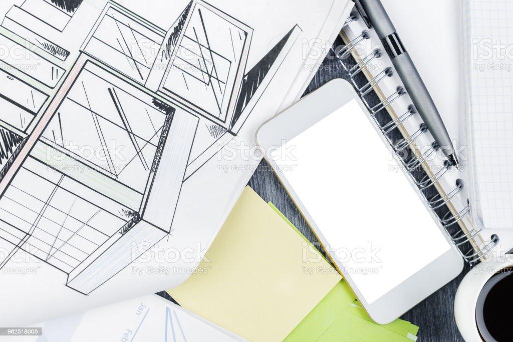 Cinza de madeira desktop com itens - Foto de stock de Arquitetura royalty-free
