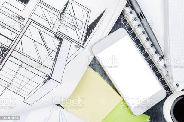 Foto de Cinza De Madeira Desktop Com Itens e mais fotos de stock de Arquitetura