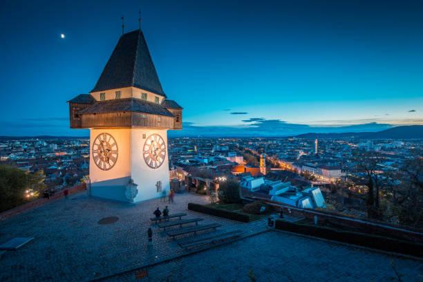 Grazer Uhrturm at night, Styria, Austria – Foto