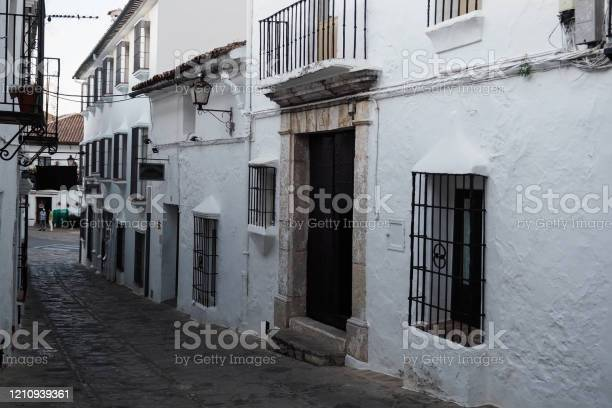Grazalema de la sierra white villages of andalucia picture id1210939361?b=1&k=6&m=1210939361&s=612x612&h=ot6mlxbe2cw2euiu1lbgdltdjj5qdtdsl fxv l6z0g=