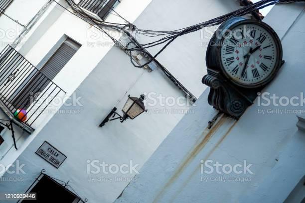 Grazalema de la sierra white villages of andalucia picture id1210939446?b=1&k=6&m=1210939446&s=612x612&h=7kvmzcmxonczmkdw4bv6yxt8t1ofgcnvgjtnk34x07e=