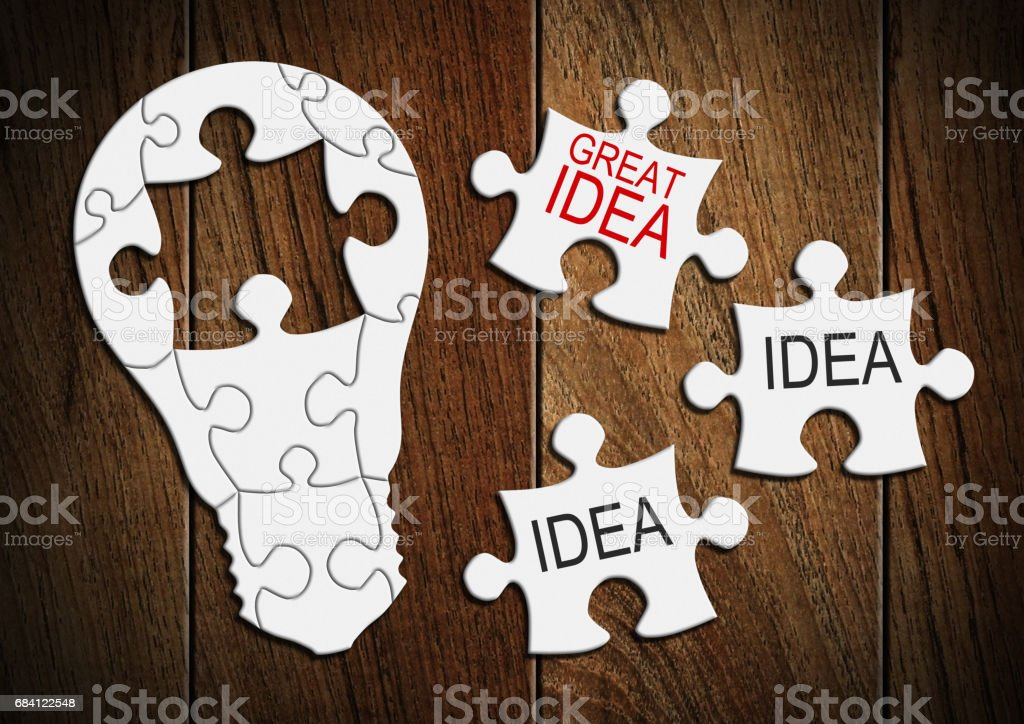 Great idea concept, light bulb from puzzle foto stock royalty-free