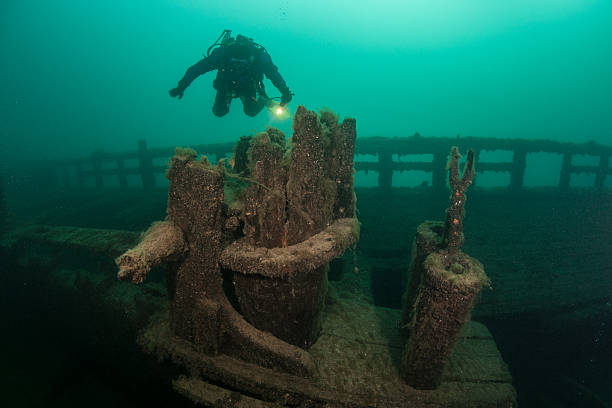 great lakes shipwreck - shipwreck stock pictures, royalty-free photos & images