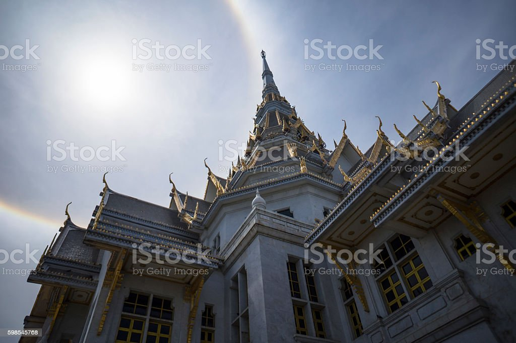 great marble church with sun halo and sky photo libre de droits