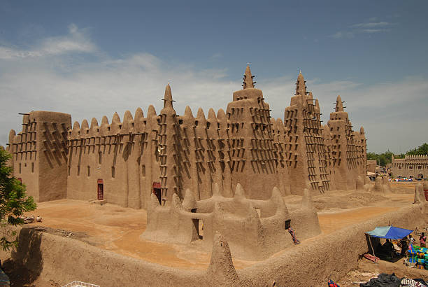 Great mud mosque in Djenne  grand mosque stock pictures, royalty-free photos & images