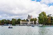 Great pond of Buen Retiro Park  in Madrid