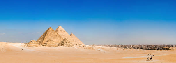great pyramids of giza - pyramid stock photos and pictures