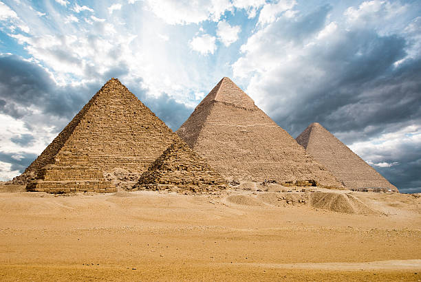 great pyramids - pyramid stock photos and pictures