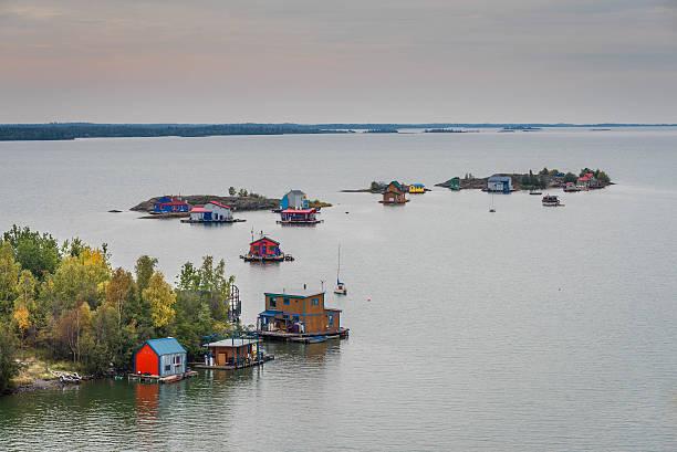 great slave lake - revierverhalten stock-fotos und bilder
