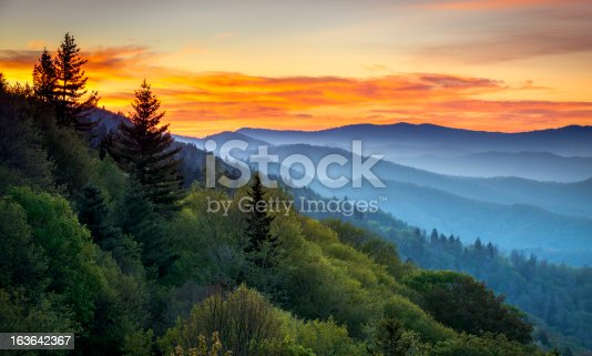 istock Great Smoky Mountains National Park Scenic Sunrise Landscape at Oconaluftee 163642367