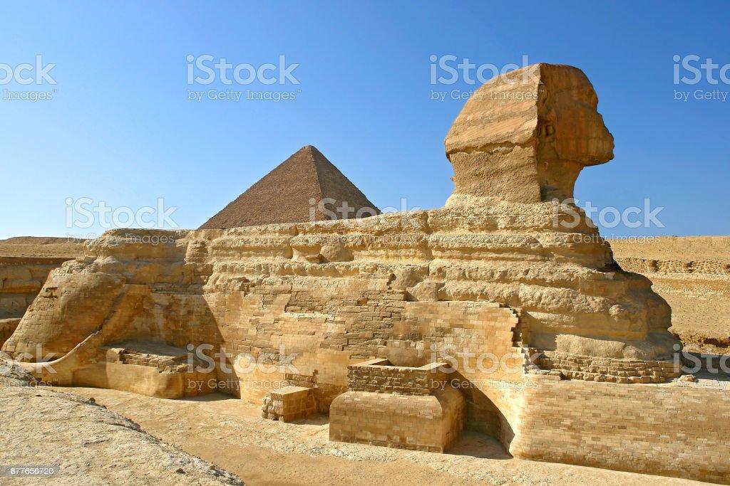 カフラー王のピラミッド エジプ...