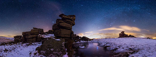 great staple tor - dartmoor - outcrop stock pictures, royalty-free photos & images